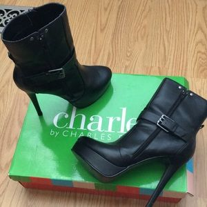 DEAL! 🖤 Charles David Barri boots- FIT LIKE 8.5